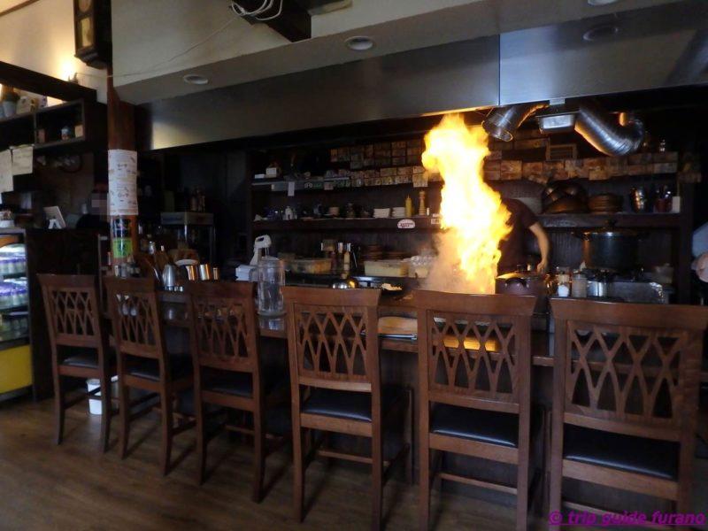 ふらの てっぱん お好み焼き まさ屋 まさや オムカレー 炎のスペアリブ おすすめ 有名 人気 ランチ ディナー